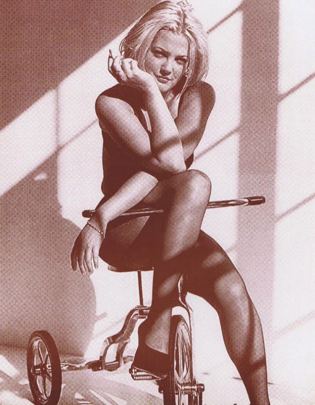 Drew Barrymore / On Bike